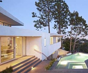 Deronda Residence by Space International in Los Angeles, CA
