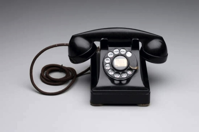 Design Museum Telephone 302