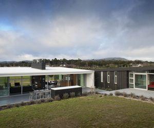 Dixon House by Design Group Stapleton Elliott