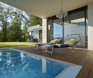 DR. 2U House by Loebell Architects