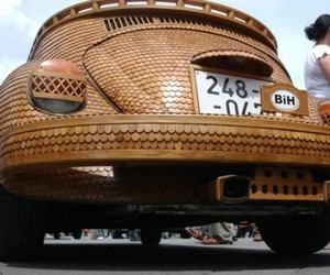 Drivable VW Beetle Made of Wood