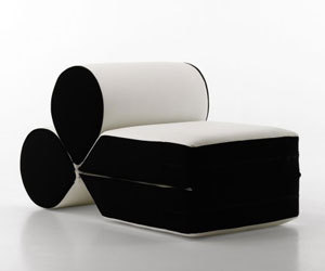 'Drop' seat/daybed by Leonardo Perugi for Cerruti Baleri