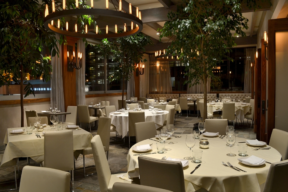 beverly hills restaurants which include restaurant s name address and