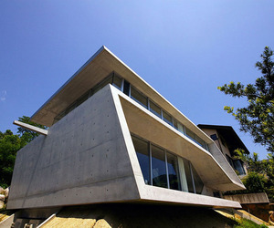 Edge House by Noriyoshi Morimura Architects