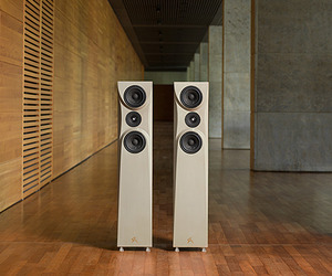 Elegant Speakers Made of Cement, Sand and Water.