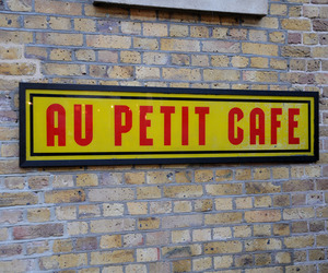 elemental | Au petit café sign