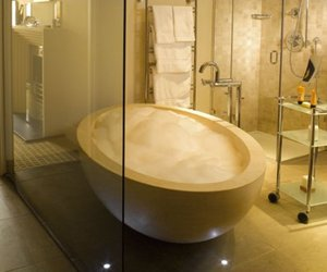 Ellipse bathtub in Ivory Stone