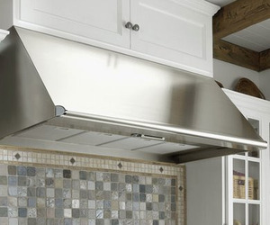 Epicure Ventilation Wall Hood from Dacor
