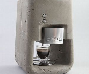 Espresso Solo: Stylish concrete coffee maker!