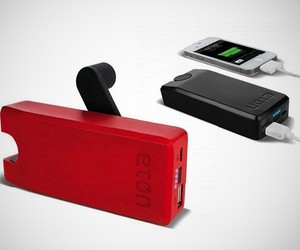 Etón Boost Turbine – Portable iPhone Charger