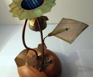 Etsy's Green Garden Lamp Design