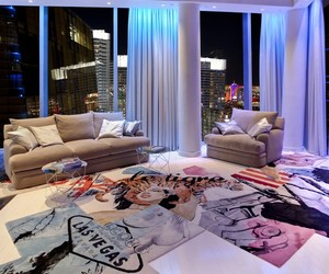Extravagant Penthouse in Las Vegas by Chemical Spaces