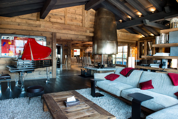 Extravagent art chalet in the french alps france for Hotel decor trends 2016