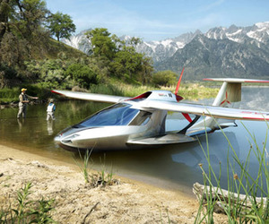 Extreme Flying – Folding Jet Ski Airplane