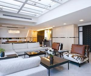 Fashion Forward Open Plan House by Artenid