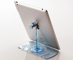 'Faucet' Stand By Nendo for Elecom