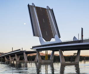 Fish hook of Pohe Bridge by Knight Architects