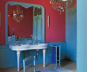 Flamboyant Bathroom