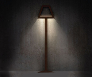 Flat lamp asks for no extra space