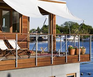 Floating Home in Copenhagen by Jesper Dirk Andersen