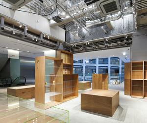 Floyd KITTE Marunouchi by Schemata Architects
