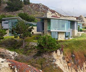 Fluid Otter Cove Residence