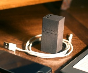 FluxMob Combination Wall Charger and Battery