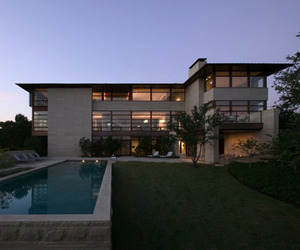 Fort Worth House in Texas by bodron+fruit