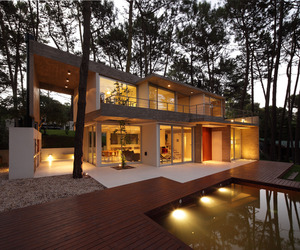 Fresno House by Felix Raspall & Federico Papandrea