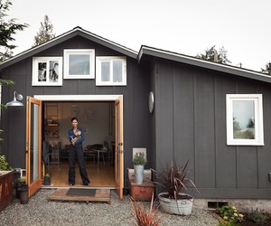 Garage Micro House by Michelle de la Vega