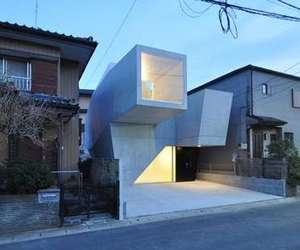 "Geometrical Residence ""HOUSE IN ABIKO"""