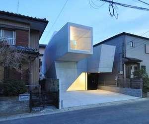 "Geometrical Residence ""HOUSE IN ABIKO"""