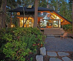 glass cabin in laconner washington
