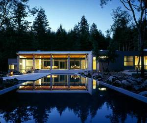 Glass House in Napa Wine Country by Johnson Fain