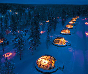 Glass Igloo Gives Fantastic View of Northern Lights