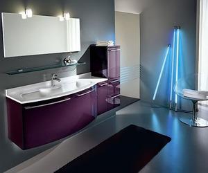 Glossy Ultra Modern Bathroom