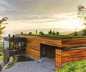 Green Architecture of Malbaie V Residence
