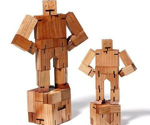 Green Industrial Design on Cubebot Toy for kids