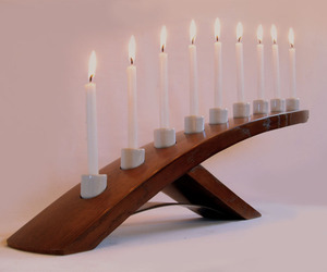 Green Ludwig, eco-friendly Menorah