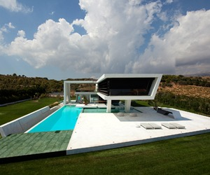 H3, A Futuristic and Sustainable Architecture House