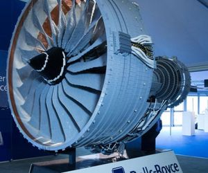 Half-size Rolls Royce Trent 1000 LEGO replica