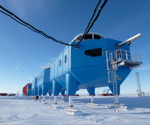 Halley VI Research Station by Hugh Broughton Architects