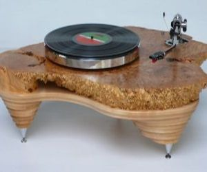 Hyperion, Hand-rubbed Solid Maple Turntable