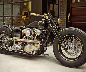 Harley Knucklead Custom by Rough Crafts