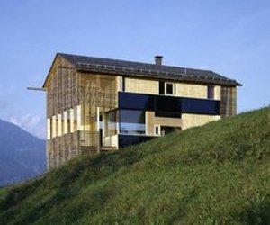 Haus Wucher Raggal by maaars architektuur