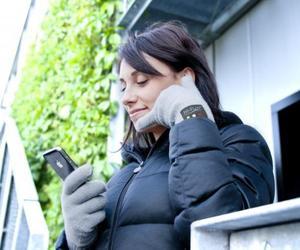 hi-Call Bluetooth Talking Gloves