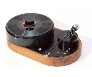 High End $16,500 Turntable and Tonearm from AMG