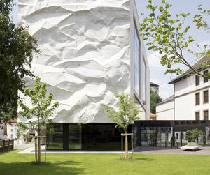 High School Crinkled Wall by Wiesflecker Architekten