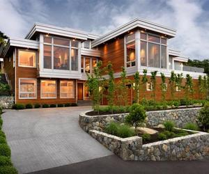 Hillcrest Residence in Canada