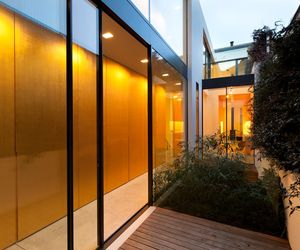 Hillgate Street Residence by Seth Stein Architects